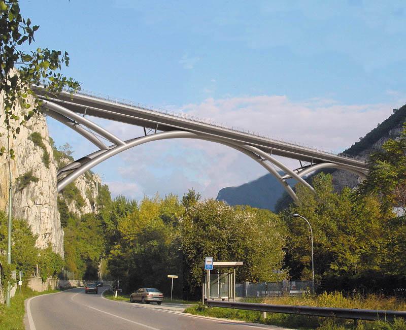 Ponte ad arco sulla Valnerina